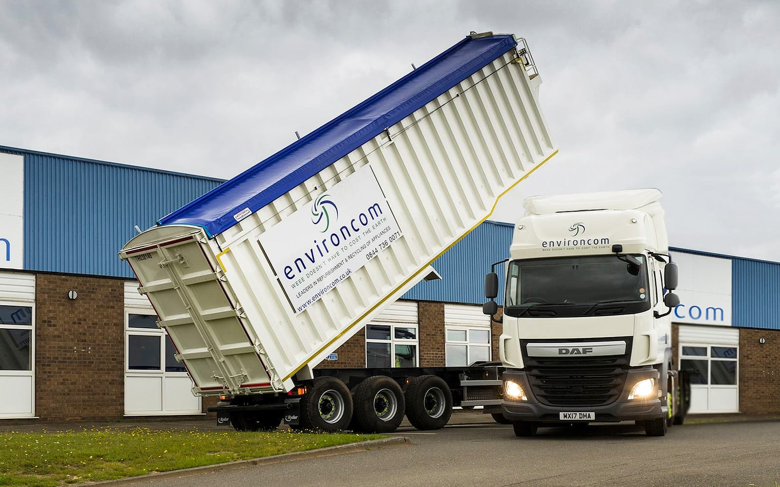 tippers paralax montracon